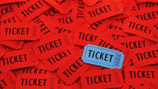 boletos-usados-para-la-entrada-en-un-evento-92186354.jpg